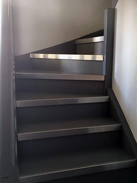 Réalisation peinture escalier, peintre prades-le-lez, jacou, saint-gely-du-fesc, le-crès, Rubio Courrège